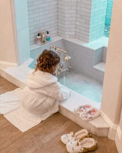 Quarantine Activity by The Traveling Red- At home spa day and bubble bath with a toddler / kids
