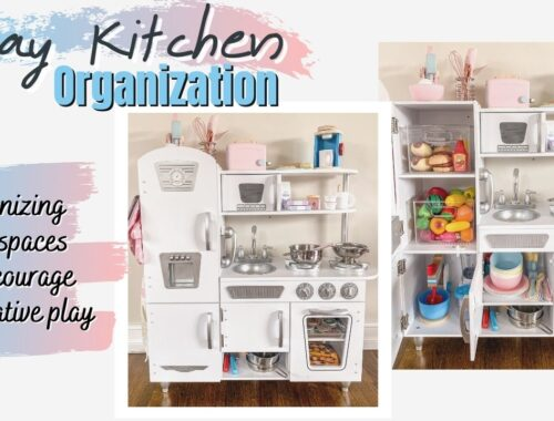 Organized Pretend Play Kitchen - everything you need to fill the cutest little kitchen with everything your girl or boy needs to play in an organized manner. Everything has a perfect spot. I linked every item and shared both girl and boy options perfect for pretend play. The perfect present for a toddler for a birthday or the holidays. | Cutting Food, Fruits & Veggies | BBQ Grilling Set | Plates & Utensils | Small Kitchen Appliances | Blender, Mixer, Toaster, Coffee Maker | Apron & Oven Mitts | Pizza, Cookies & Baking Sheets | Organized Clear Bins | #PretendPlay #PlayKitchen #LittleKitchen #Organization #Organizing
